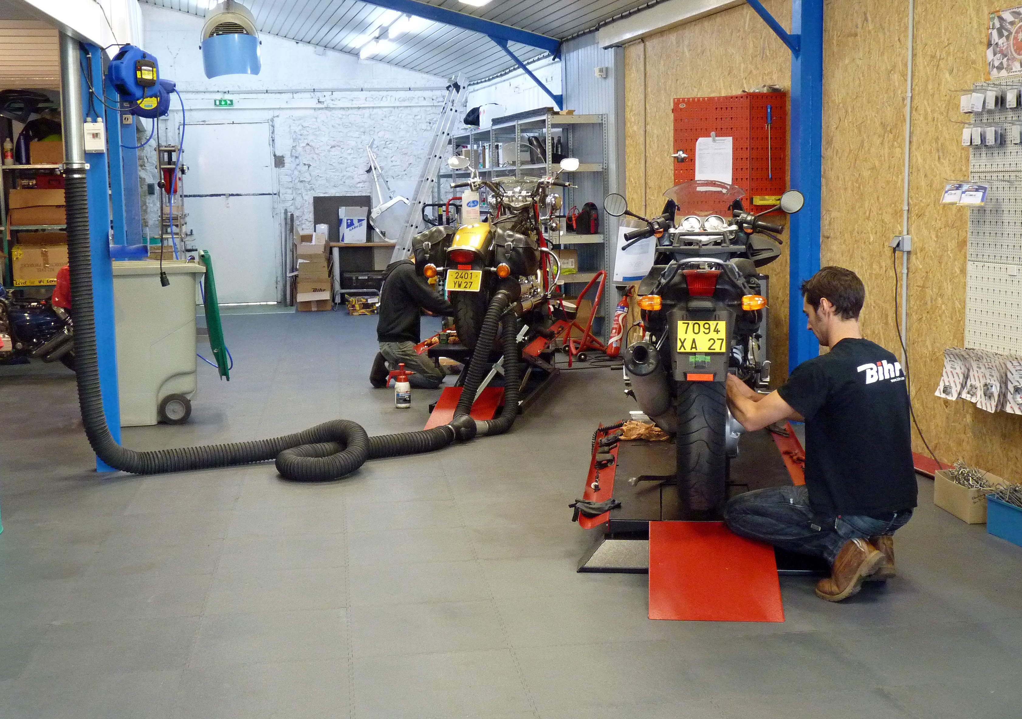 Atelier garage motorataf louviers entretien vente for Amenagement garage moto